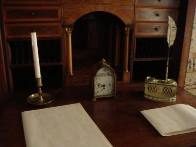 brede-lillebrede-writing-desk-detail